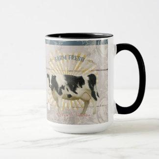 Caneca A vaca de leite fresca Shiplap da fazenda da casa