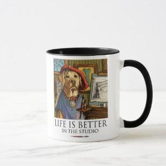 Caneca A vida é melhor no pintor do laboratório do