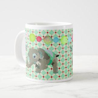 Caneca afortunada do elefante de Lil Caneca De Café Muito Grande