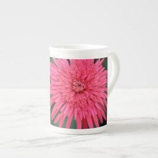 Caneca alta da flor cor-de-rosa lindo