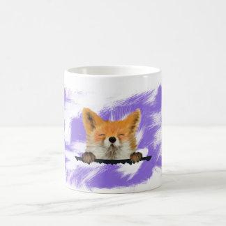 Caneca animal vermelha bonito do Fox com fundo