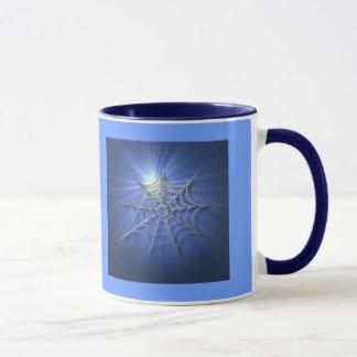 Caneca azul da Web de aranha do Sunburst