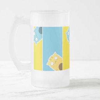Caneca azul do vidro de fosco do gato do gengibre