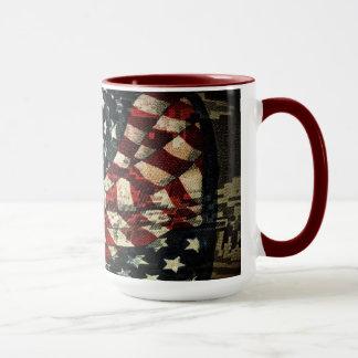 Caneca Bandeira-Camuflagem americana por Shirley Taylor