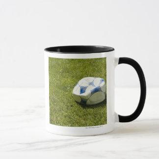 Caneca Bola de futebol lisa na grama, Alemanha