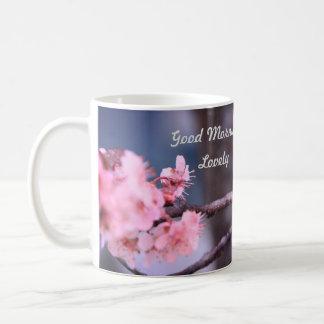 Caneca bonita da flor do primavera do bom dia