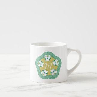 Caneca bonito do café do monograma da ruptura de