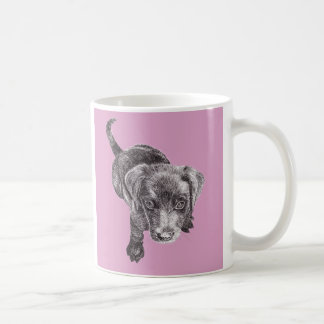 Caneca bonito do filhote de cachorro de Labrador