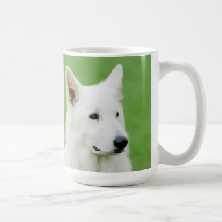 Caneca branca do cão de pastor