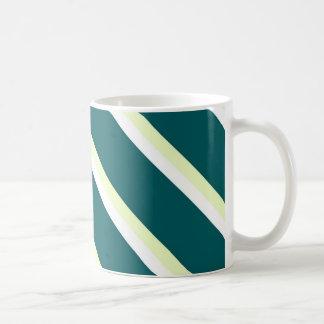 Caneca com as listras diagonais verdes, brancas e