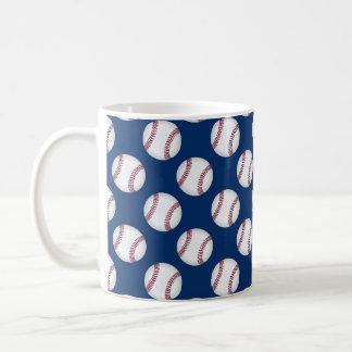 Caneca com basebol no fundo azul