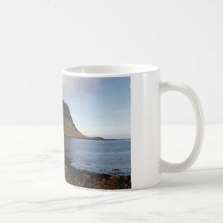 Caneca com imagem de Islândia (ascensão do monte