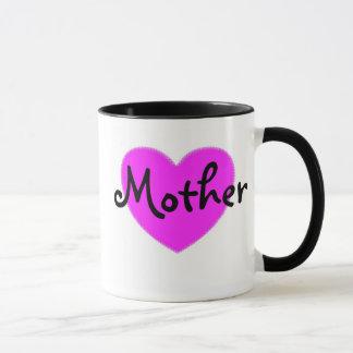 Caneca cor-de-rosa da mãe do coração