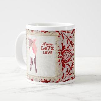 Caneca cor-de-rosa do amor da arte da jovem corça caneca de café muito grande