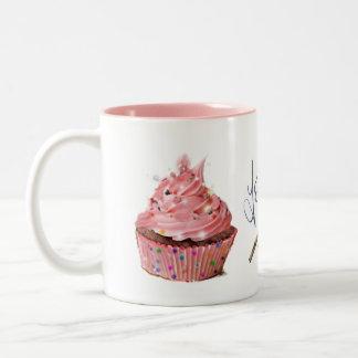 caneca cor-de-rosa do bolo