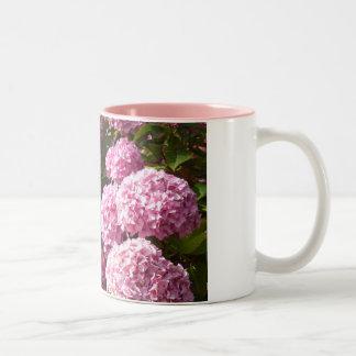 Caneca cor-de-rosa do Hydrangea
