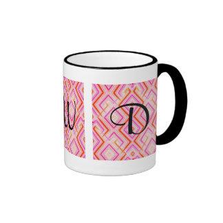 Caneca cor-de-rosa do monograma de Deco