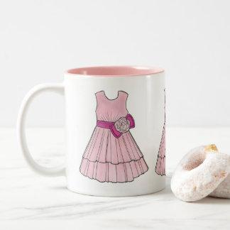 Caneca cor-de-rosa do vestido da representação