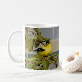 Caneca da alegria do Goldfinch