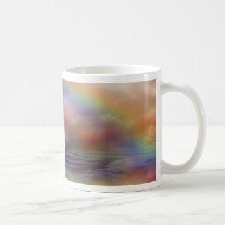 Caneca da arte do oceano do arco-íris