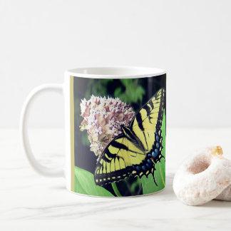 Caneca da borboleta de Swallowtail do tigre