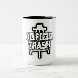 Caneca da campainha do lixo do campo petrolífero