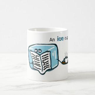 Caneca da cozinha - chá do cubo de gelo