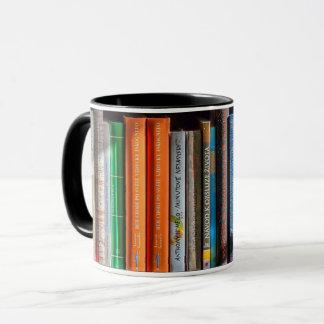 Caneca da estante do amante de livro