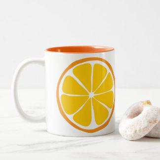 Caneca da laranja do citrino do verão