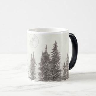 Caneca da lua e de café da floresta