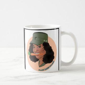 Caneca da menina do soldado
