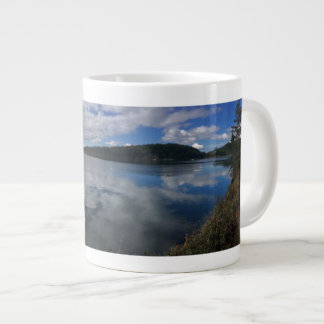 Caneca da natureza do lago washington