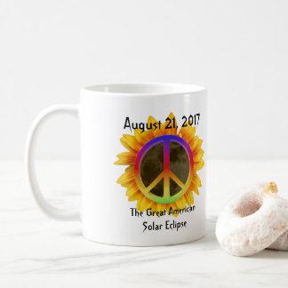 Caneca De Café 2017 eclipse solar, girassol e símbolo de paz