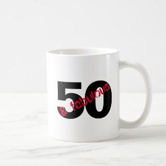 Caneca De Café 50 e bebida fabulosa da festa de aniversário