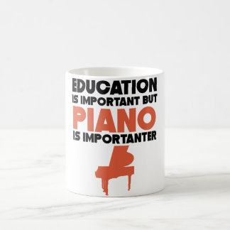 Caneca De Café A educação é importante mas o piano é Importanter
