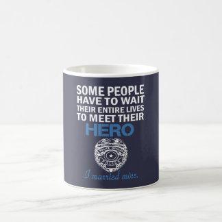 Caneca De Café A esposa do agente da polícia