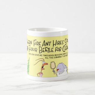 Caneca De Café A formiga contrata um besouro