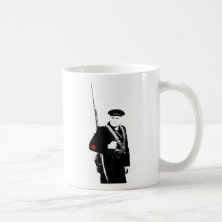 Caneca De Café A infantaria naval soviética de WWII agride