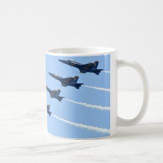 Caneca De Café A linha de anjos azuis dá laços lado a lado