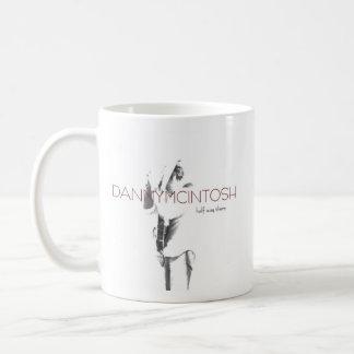 Caneca De Café A meia maneira de Danny McIntosh lá agride