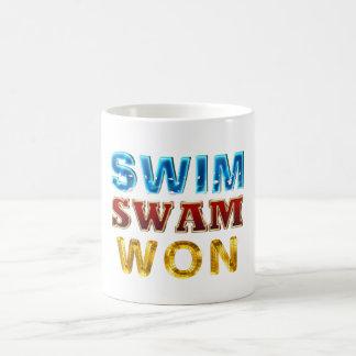 Caneca De Café A natação SUPERIOR nadou ganhado
