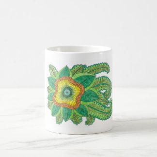 Caneca de café agradável da flor