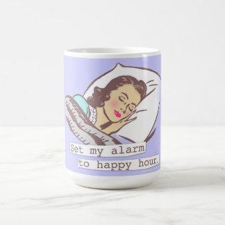 Caneca De Café Ajuste meu alarme ao happy hour