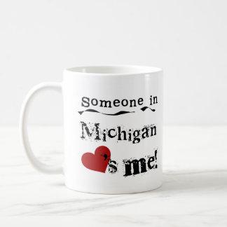 Caneca De Café Alguém em Michigan ama-me