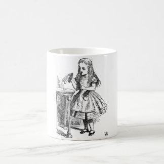 Caneca De Café Alice no país das maravilhas