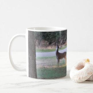 Caneca De Café Antlers dos emaranhados do veado