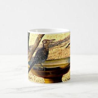 Caneca De Café Arborizado no copo de café do banho do