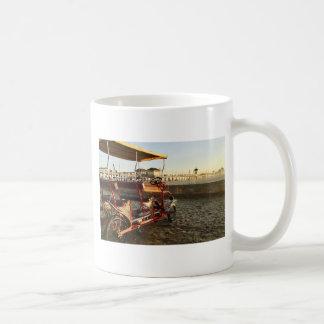 Caneca De Café Arrendamentos da praia
