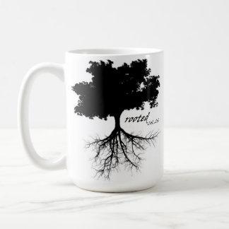 Caneca de café (árvore com raizes)