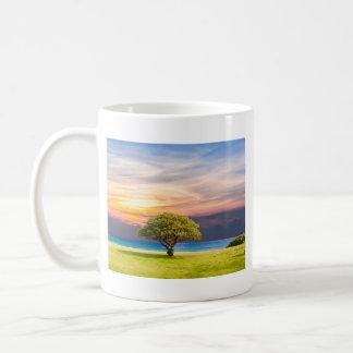 Caneca De Café Árvore pelo oceano
